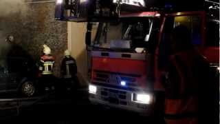 preview picture of video '(26/10/2012): Péruwelz - Incendie rue du Bas Coron (02)'