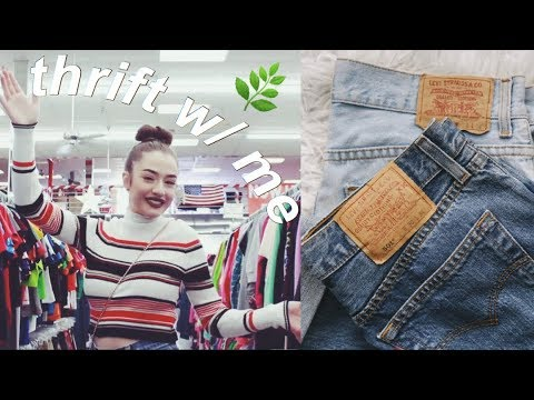 COME THRIFT WITH ME #3 || Vintage Levi's mom jeans!