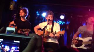 Gotta Get Out (Acoustic) - 5 Seconds Of Summer (Live in NY on 6/30/13)