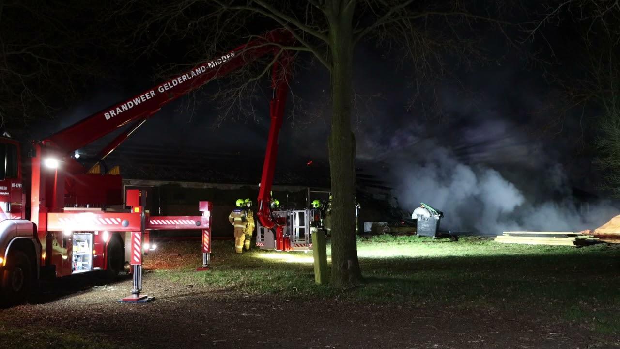 20210403 Grote brand in schuur Gelkenhorsterweg Barneveld