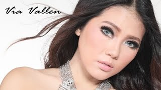 Gambar cover Via Vallen - Secawan Madu (Official Lyric Video)