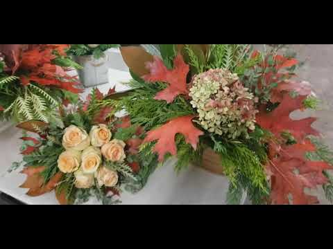 Fall Themed Flower Design at the Los Angeles School of Flower ...