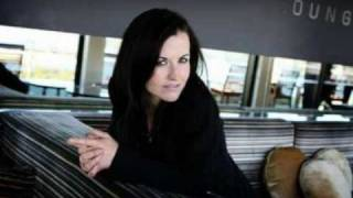 Dolores O'Riordan - Willow Pattern (Bonus Track)