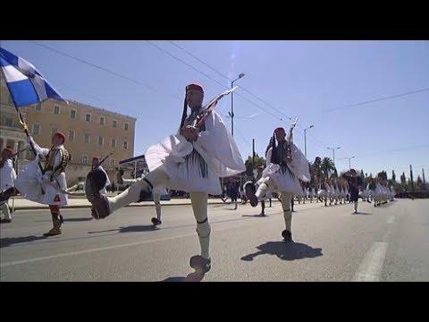 Στρατιωτική παρέλαση στην Αθήνα για την εθνική επέτειο της 25ης Μαρτίου