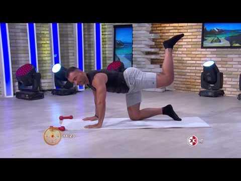 Como balanceando el hombre arreglar los lados del vientre