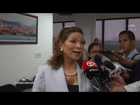 Ana Matilde Gómez presenta nuevas firmas que respaldan su precandidatura