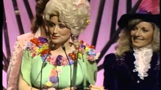 Dolly Parton Wins Country Album - AMA 1978