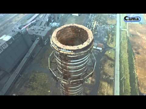 Wyburzenie kominów w krakowskiej koksowni ArcelorMittal Poland