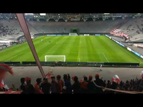 """""""Recibimiento de la hinchada pincha contra nacional de Potosí EDLP 2 NSCIONAL 0"""" Barra: Los Leales • Club: Estudiantes de La Plata"""