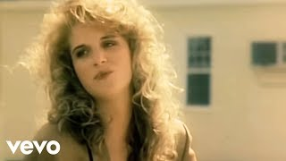 Trisha Yearwood – She's In Love With The Boy (Official Video)