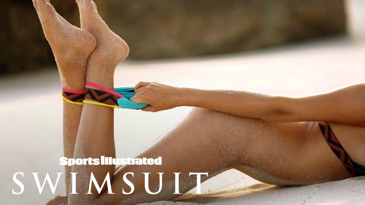 Hailey Clauson auf Sumba Island für Sports Illustrated