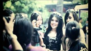Download lagu Tina With D Girls Cinta Buta Mp3