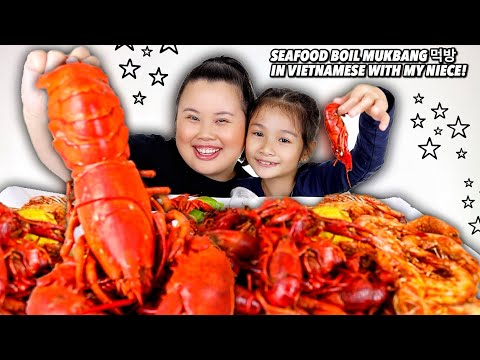 GIANT WHOLE ENTIRE LOBSTER + SHRIMP + CRAWFISH SEAFOOD BOIL IN VIETNAMESE MUKBANG 먹방 EATING SHOW!