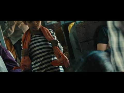Slumdog Millionaire Clip 'The Boys on a Train'