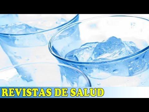 ¿Es malo beber agua fría?