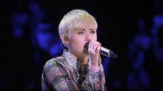 Miley Cyrus - Summertime Sadness (Live from Bangerz Tour)