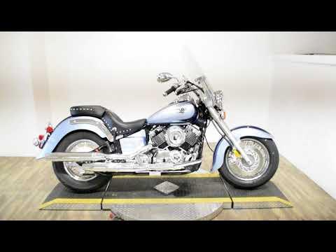 2004 Yamaha V Star® Classic in Wauconda, Illinois - Video 1
