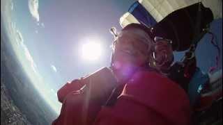 preview picture of video 'Fallschirm Tandem Sprung über Gera mit einer GoPro Handycam'