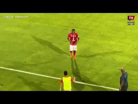 جونيور اجاي يذهب للاحتفال مع أيمن أشرف عقب الهدف الثالث بمرمى سيراميكا