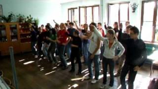 preview picture of video 'ZORBA - OTRZĘSINY - I LO Jawor - próba tańca - klasa 1d (1/3)'