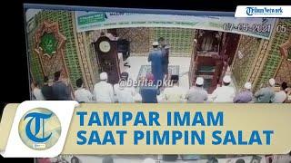 Video Detik-detik Pria Terobos Jemaah & Tampar Wajah Imam saat Pimpin Salat, Pelaku Ditangkap Polisi
