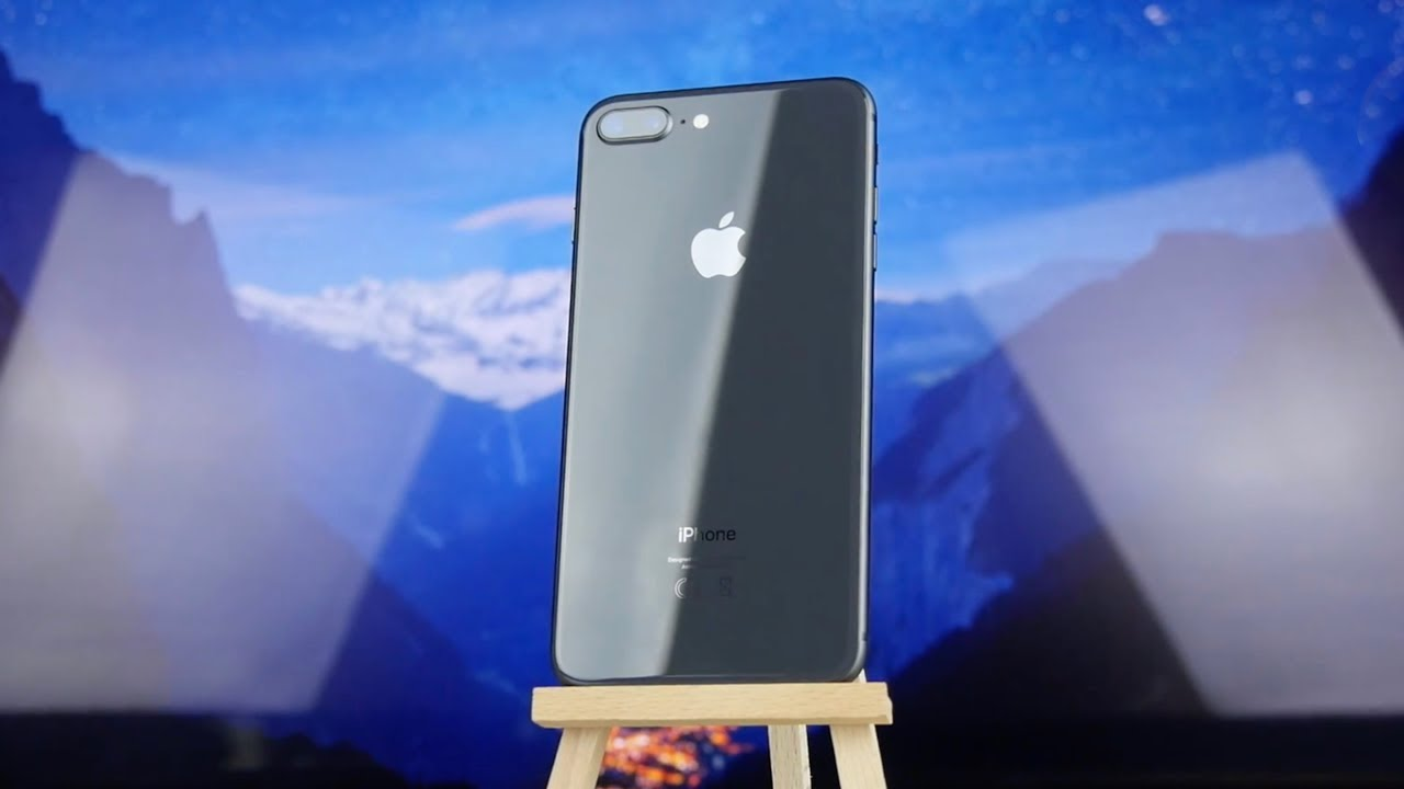 Apple iPhone 8 Plus 64Gb Silver (MQ8M2) video preview