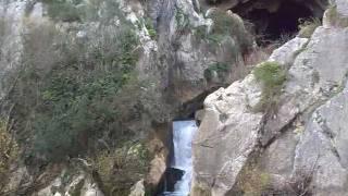 preview picture of video 'Cueva del Gato.   Benaojan, Malaga  21-01-2012'