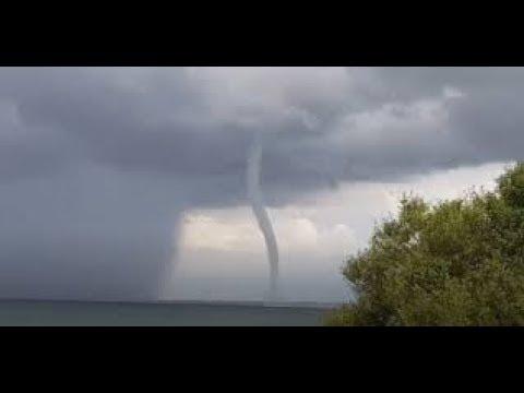 , title : 'Испания Наводнение и смерч. Балеарские острова. Кадр Дня. Катаклизмы'