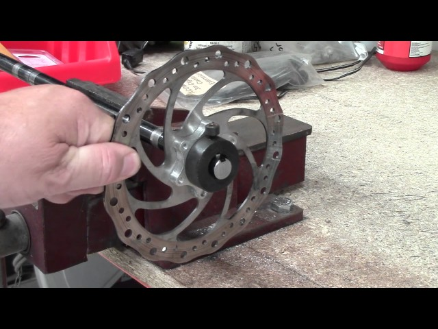 Setting up and aligning the rear disk brake