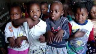 "Barnehjemsbarn i Malawi synger ""Jeg er en liten undulat"""