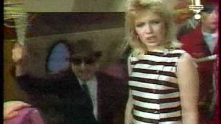 Kim Wilde - Kids In America ( French Tv Show Early 80ies)