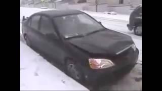 雪道で追突事故