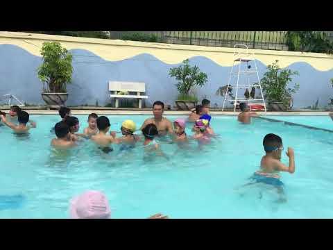 Một buổi tập lặn của các bé - Mầm Non Hữu Nghị Quốc Tế