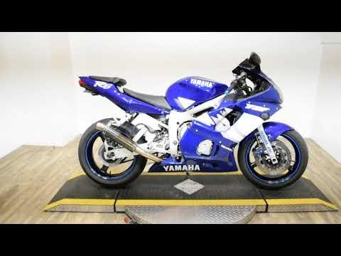 2000 Yamaha YZFR6 in Wauconda, Illinois