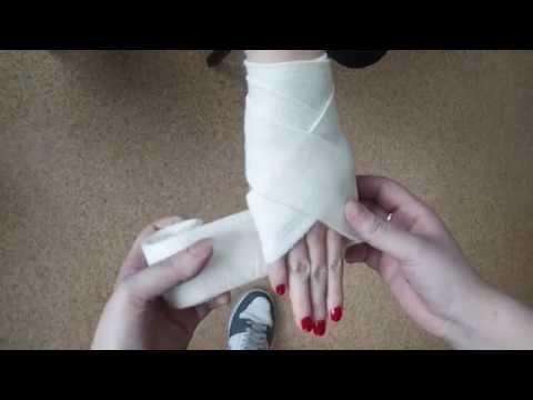Ćwiczenia koślawego z gumką