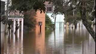 preview picture of video 'Cheia no Rio Uruguai - Itaqui 2014'