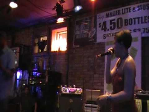 Lyric Versatile & Sunshine LIVE!!