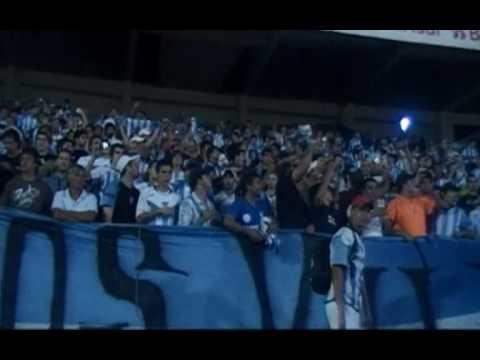 """""""En Porto Alegre"""" Barra: Los Villeros • Club: Cerro"""
