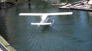 Beaver Float plane finally makes it to the dock