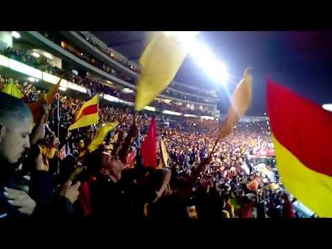 """""""Monarcas vs América COLOR DE LA TRIBUNA 💛❤🎺⚽"""" Barra: Locura 81 • Club: Monarcas Morelia"""