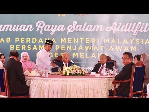 PM meriahkan jamuan hari raya penjawat awam Melaka