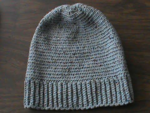 Gorra para hombre a crochet.