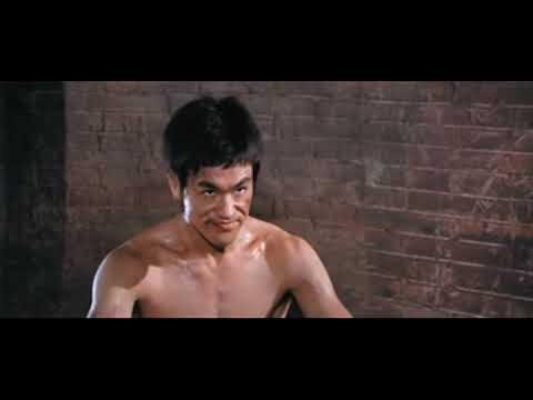 李小龙这个传奇的功夫巨星,此片段为《猛龙过江》李小龙vs查克.诺里斯李小龙最猛单挑画面之一.