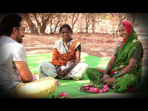 Women Turn Village Away from Liquor and Into Watershed Development (Marathi)