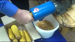 Кукурузолущилка ручная г. Винница от компании ЧП  Козырев С.В. - видео