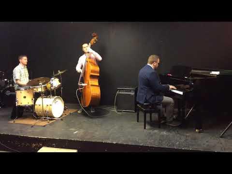 "Jazz Bass - ""Oleo"""