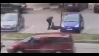 Один погиб на месте: появилось видео перестрелки на Клочковской