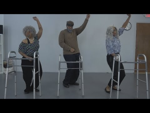 """Old People Dance to """"Thotiana"""" 😂🔥 