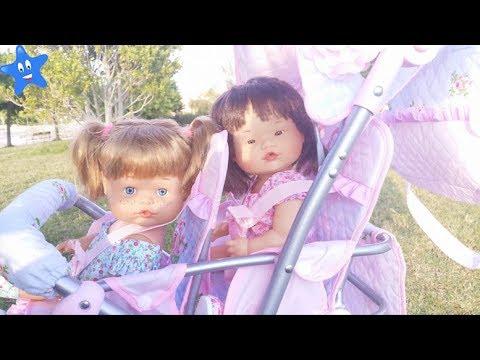 Muñecas bebes Ani y Ona NENUCO van a los columpios en su carrito nuevo Ksi Bebés