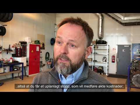 Volmax har kapasiteten og kompetansen til å ta inn både bil og henger samtidig. Her er mekaniker Birger Oshaug i sving.